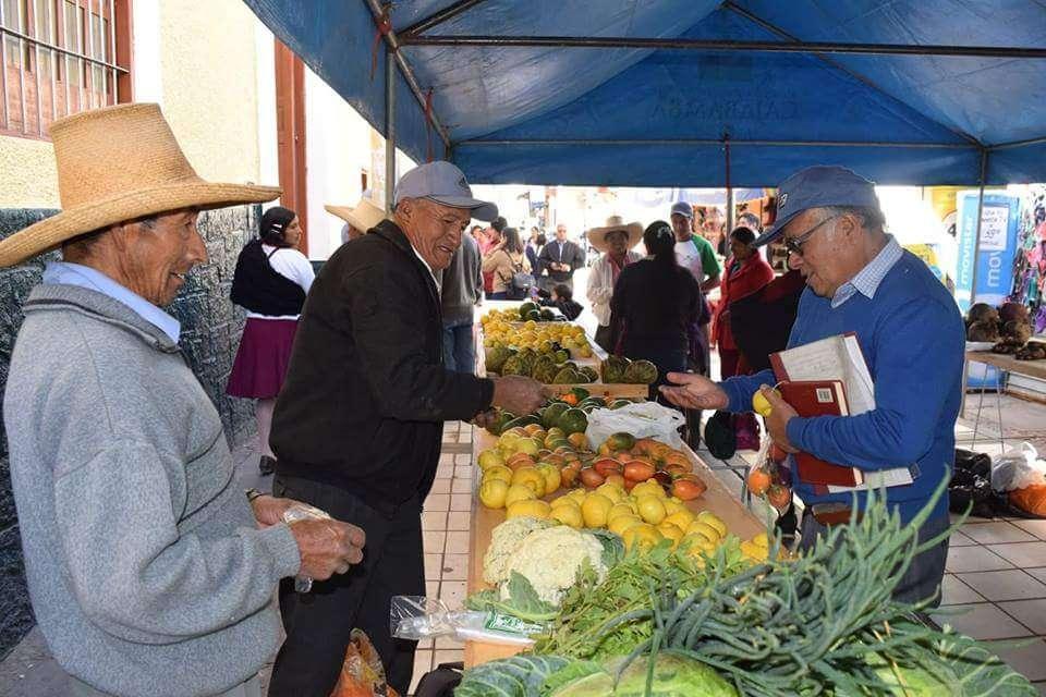 En Cajabamba con gran éxito se realizó II feria agropecuaria de la chacra a la olla