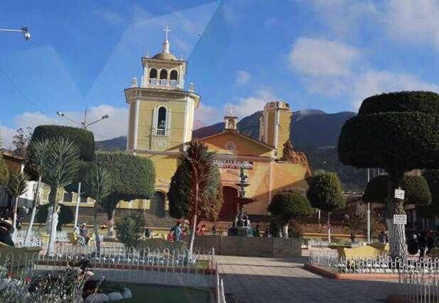 Cae torre de Iglesia de Cutervo