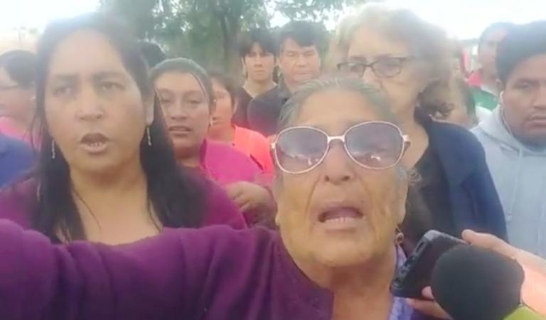 """Alcalde nos engañó en campaña y solo entró a robar"", aseguran vecinos | VIDEO"