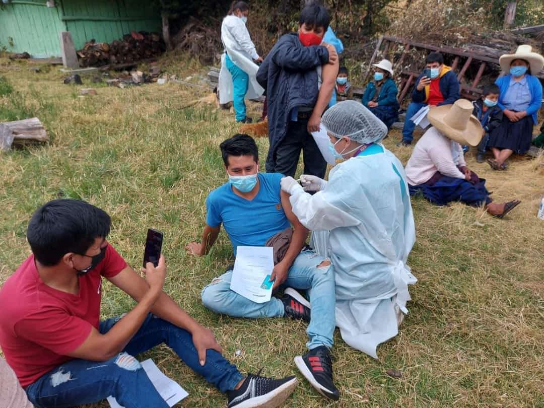 Vacunación en San Juan Cajamarca